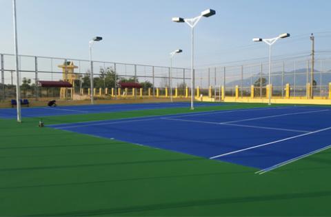 thi công 2 sân tennis sân bay quân sự cam ranh